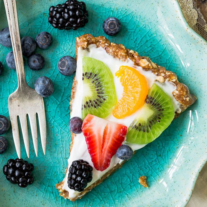 1483896752-healthy-greek-yogurt-fruit-tart