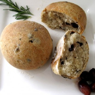 olive and rosemary bread rolls recipe-2